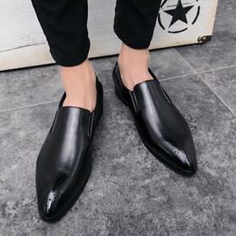 Yaz nefes sivri iş ve eğlence Xiebuluoke oyma sıcak ayakkabı saç stilisti gece kulübü küçük deri ayakkabı erkekler büyüd ... supplier shoes carves nereden ayakkabı oymalar tedarikçiler