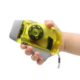 Manuel Kendinden Powered El Feneri El Basınç Tipi Işık Fener Mini Kendini Şarj Küçük Fener 3led Açık Ürünleri nereden
