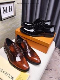 4d9022244 2019 Novo Estilo Marca Italiana Homens Inglaterra Tendência Casual Lazer  Sapatos De Couro Respirável Para Homens Loafers Footear Flats Masculinos
