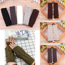 Gest arm warmer online-1Pair Knit Handschuhe Frauen Arm Warmer Winter-lange Fingerlose Handschuhe Half Finger Strickhand Fäustlinge