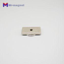 Calamita magnete a testa svasata con foro 3mm in neodimio N50 10mmx5mm