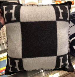 Cashmere Travesseiro marca de moda H carta Quadrado padrão de costura sofá de lã original Ins almofada travesseiro sofá de lã casa macio macio fronha de