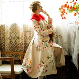 Deutschland LYNETTE CHINOISERIE Winter Original Design Frauen Hochwertige Stickerei Blumen Vintage Dünne Woll Dünne Mantel Oberbekleidung cheap woolen flower design Versorgung