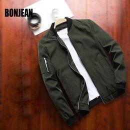 giacche invernali di corea mans Sconti Xxl Casual Bomber Bomber Uomini Sport Baseball Jacket Mens Coat Moda Abbigliamento autunno / inverno della Corea Nero