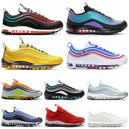 I pattini di sport dell'aria mens us11 online-Nike Air Max 97 Scarpe da ginnastica da uomo iridescenti Scarpe da ginnastica all-star ginnastica metallizzate Triple White Black Women Athletic Sports 36-45