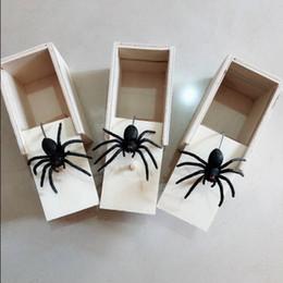 Bromas juguetes complicados online-Sorpresa araña caja de madera divertido Broma Broma Juguetes Animal terror Tricky juguete Fit decoraciones caseras Nueva llegada EEA1028-1