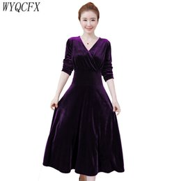 84be9312d 2019 vestidos casuais para mulheres de veludo 2019 Outono Inverno Vestido  de Mulheres Elegantes Com Decote