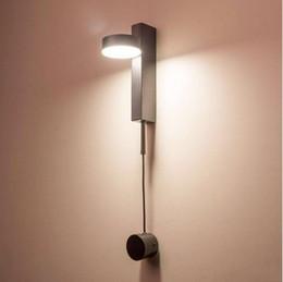 Luzes de parede de luxo on-line-Nórdico moderna luz de parede interruptor de escurecimento de luxo sala simples corredor corredor quarto personalidade criativa lâmpada de parede de cabeceira LLFA