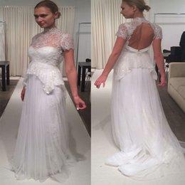 Canada 2019 robes de mariée en dentelle de plage à col haut manches courtes en trou de serrure dans le dos en tulle plissé blanc ivoire robes de mariée paillettes Offre