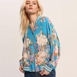 2019 длинный верхняя одежда жакет женщин цветок пальто TEELYNN бохо куртка весна вискоза синий цветочный принт длинный рукав пальто марки цветы покроя женщин куртки пуховики дешево длинный верхняя одежда жакет женщин цветок пальто