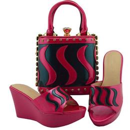 Schuhe und Taschen Online | Schuhe und Taschen für 2020