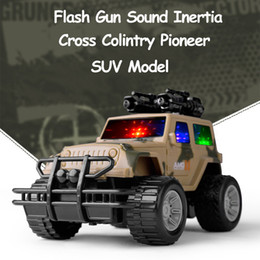 2019 macchine militari giocattolo 3 colori militare camuffamento SUV Jeep Model Toy Cars per il ragazzo Inertial LED lampeggiante Sounds Muical Vehicle Car Toy per bambini macchine militari giocattolo economici