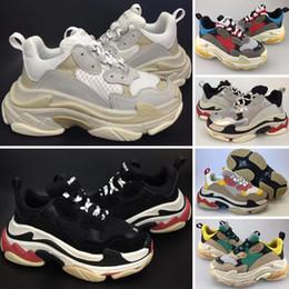 Teenager sneakers online-Balenciaga Triple-S Sneaker Kinder Triple S Sneakers für Jungen Designer Schuhe Mädchen Plattform Kind Sport Kinder Chaussures Teenager Dickbesohlte Jugend