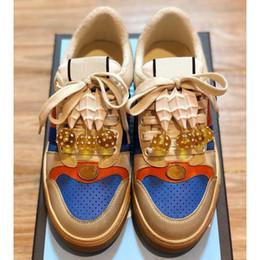 Le dimensioni della ciliegia online-Calzature più recenti Scarpe da donna di protezione con ciliegie Scarpe di design di lusso di alta qualità Dimensioni 35-40 Modello HY05
