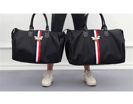 Designer de Bolsas de Luxo Bolsa de Viagem Sacos de Grande Capacidade Saco de Fitness Dos Homens Na Moda Saco de Ombro Inclinação Abelha À Prova D 'Água para Senhoras Quentes de