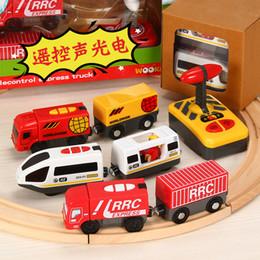 2020 rc 32 Tren eléctrico de Rc Tren de juguete Tren de control remoto Juguetes de tren Control remoto eléctrico de tren Juguetes Coche Niños Niño Juguete rc 32 baratos