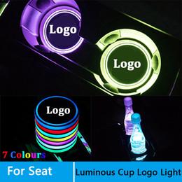 2019 logotipo do leon 2 Logo Pcs Led Car luzes copo para Seat Leon Ibiza Logo Ateca luz Luminous Copos Bebidas titulares Acessórios Atmosfera lâmpada logotipo do leon barato