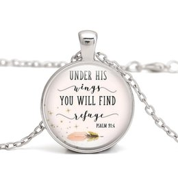 citations pour colliers Promotion Vente chaude Bible verset collier sous ses ailes, vous trouverez refuge PASALM 91: 4 citation à la main colliers bijoux en gros