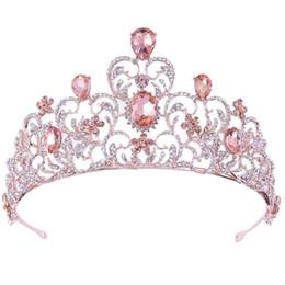 Coronas de tiaras rosas online-Fiesta de la boda cristalina del corazón de oro 7.3cm Alto color de rosa rosada de la tiara del desfile de fin de curso
