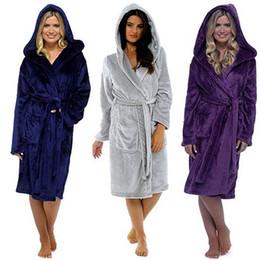 2019 donne inverno addensare camicie da notte invernale accappatoio donne pigiama di flanella Bath Warm Robe Sleepwear Robes Womens Coral Velvet da accappatoi caldi delle donne bianche fornitori