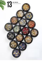 2019 kronenförmige kisten Nagel Ornament flach Diamantnagel Mix Multi-Color Multi-Shape neue Perle Krone Niet Metall Runde Box Patch günstig kronenförmige kisten