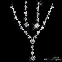 Büyüleyici Gelin Takı Kolye Alaşım Kaplama Rhinestones İnciler Kristal Takı Seti Düğün Gelin Gelinlik Ücretsiz Nakliye Için 15049 nereden