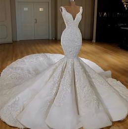 estilos de encaje de boda blanco nigeriano Rebajas 2019 nuevo vestido de boda de lujo abalorios profundo v cuello sirena vestidos de novia tren largo vestidos de novia elegantes
