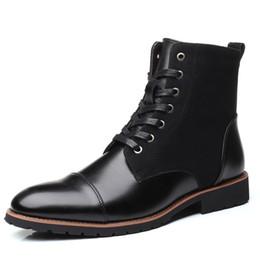 Hombres de látex cortos online-Nuevos hombres de moda zapatos de cuero impermeables hombres botas cómodos cortos de felpa botas de invierno negro botines de calidad hombres de negocios