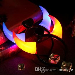Fascia lampeggiante del corno del diavolo online-LED Light Up lampeggiante Devil Horns Headband Glowing Devil Horns Costume LED Fascia Halloween Night Light
