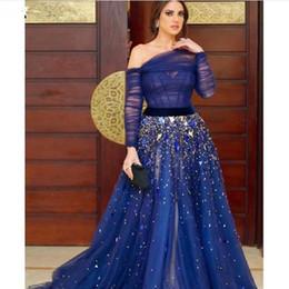 2019 vestidos de fiesta mujer dubai Royal Blue Off the Shoulder Vestidos de noche 2019 Rhinestone con cuentas manga larga musulmán A Line Vestido de fiesta de graduación Mujeres Dubai vestidos formales vestidos de fiesta mujer dubai baratos