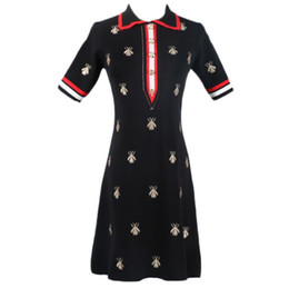 2019 tissu vintage à imprimé floral 2020 été nouvelle robe GG Bee Femme col roulé broderie taille haute Lapel moyenne à long Slim Robe en maille