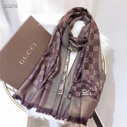 8 colori Designer Woman Soft Lamé Sciarpa Sciarpa in seta e cotone in stile di lusso Scialle lungo Stampato Classica best-seller180-90 con scatola da