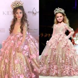 2019 bola de ouro rosa Subiu de Ouro de Lantejoulas Vestido de Baile Meninas Pageant Vestidos Sheer Mangas Compridas Da Criança Flor Menina Vestido 3D Flores Apliques Crianças vestido bola de ouro rosa barato