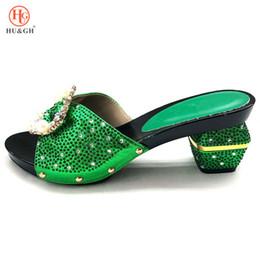 Grüne sandalen für frauen online-Neue grüne farbe frauen slipper elegante italienische frauen sandalen schuh für party afrikanische hochzeit high heels slipper frauen pumpt schuhe