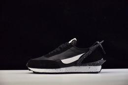 Venta caliente diseñador encubierto x Showroom Waffle Racer zapatos para correr para hombres de buena calidad zapatillas deportivas clásicas zapatillas de deporte tamaño 40-45 desde fabricantes