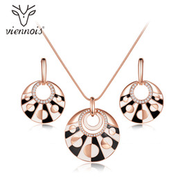 Canada ensemble pour les femmes viennois or rose couleur ensembles de bijoux ronde pour les femmes boucles d'oreilles pendentif collier ensemble bijoux noir et blanc cheap viennois jewelry set Offre