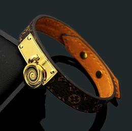 Canada 2019 Mode Populaire Européen et Américain Bijoux Marque Design En Acier Inoxydable fleur en cuir lettre V hommes femmes mariage bracelets bracelets cheap design men bangle Offre