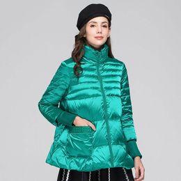 dünne daunenjacke frauen grün Rabatt Winter Green Cloak Down Jacket Female 2019 neue warme Kragen Art und Weise graue Ente-Feder-Standplatz leicht und dünn Basis-Mantel-Frauen HJ124