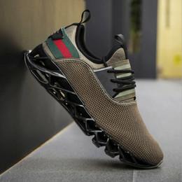 2019 обувь больших размеров продажа Горячие продажи мужские лезвия дизайнер кроссовки большой размер мода тенденция Повседневная обувь мужчины летающие ткачество дышащая спортивная обувь (7-13) Бесплатная доставка дешево обувь больших размеров продажа