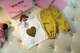 survêtement jaune enfants Promotion enfants vêtements garçons kid survêtements coeur imprimé sans manches manches courtes + jaune pantalon court 2pcs costume bébé garçon Vêtements vêtements pour enfants BC-1