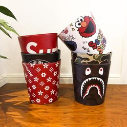 Küchenbehälter online-Wasserdichte Lederabfallbehälter Beliebte Logo Kreative Offene Mülleimer Schöne wohnzimmer Küche Schlafzimmer Mülleimer Büro Aufbewahrungseimer