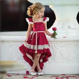 Smokings para meninas on-line-Tuxedo bebê menina vestido vermelho vestidos florais bebê menina laço arco-nó Pequena manga voadora Saia assimétrica