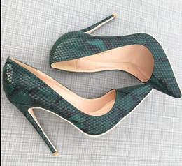 Новый сексуальный бренд Красное дно модный зеленый змеиная кожа указал на высоком каблуке женская красная подошва кожаные насосы свадебное платье обувь от