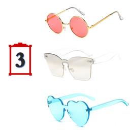 Gafas de sol de forma redonda al por mayor online-Venta al por mayor 3 unids / set marca de moda gafas de sol mujeres ronda cuadrado en forma de corazón coloridas gafas de sol para la fiesta femenina del festival regalos