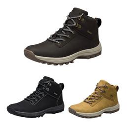 Gli uomini di marca stivali grande formato 39-46 autunno inverno mens moda  in pelle sneakers lace up outdoor uomo da montagna scarpe impermeabili  vendita ... 96d1f8f67f7