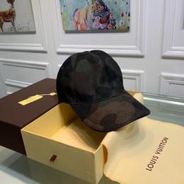 boina roja militar Rebajas Iduzi Ajustable Little bee hat al por mayor diseñador de moda hombre gorra de béisbol nueva marca logo hat hombres y mujeres rompevientos sun hat A