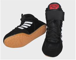 Canada 2018 New Mens Wrestling Shoes chaussures de boxe à lacets Vache Muscle Cuir Cuir Caoutchouc Tissu boxer bottes Gym Sport Sneakers équipement Taille 4cvcx supplier equipment for gyms Offre