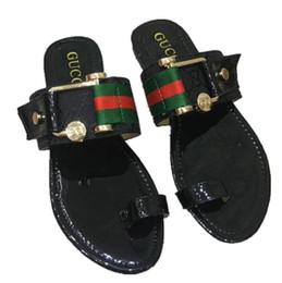 zapatos de algodón Rebajas Diseñador de moda Sandalias de deslizamiento Zapatillas para hombre mujer Zapatilla informal Diseñador caliente Unisex Chanclas de playa Zapatilla ALTA CALIDAD