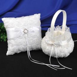 3d encajes rosas online-Suministros de boda Anillo Almohada Canastas de flores para niña Banquete de boda Blanco 3D Rosas Ceremonia de encaje Almacenamiento de pétalos