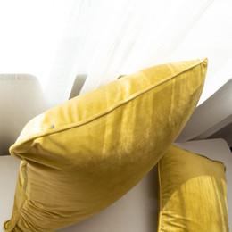 Cosas de oro online-Terciopelo suave Oro de lujo Cojín Funda de almohada cubierta Sofá cama cubierta de almohadas Diseño de tuberías Sin Balling-up Sin Relleno